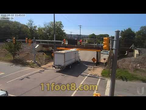 Reefer truck breaks the spell at the 11foot8+8 bridge